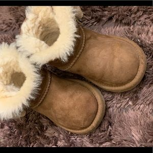 Toddler uggs size 8